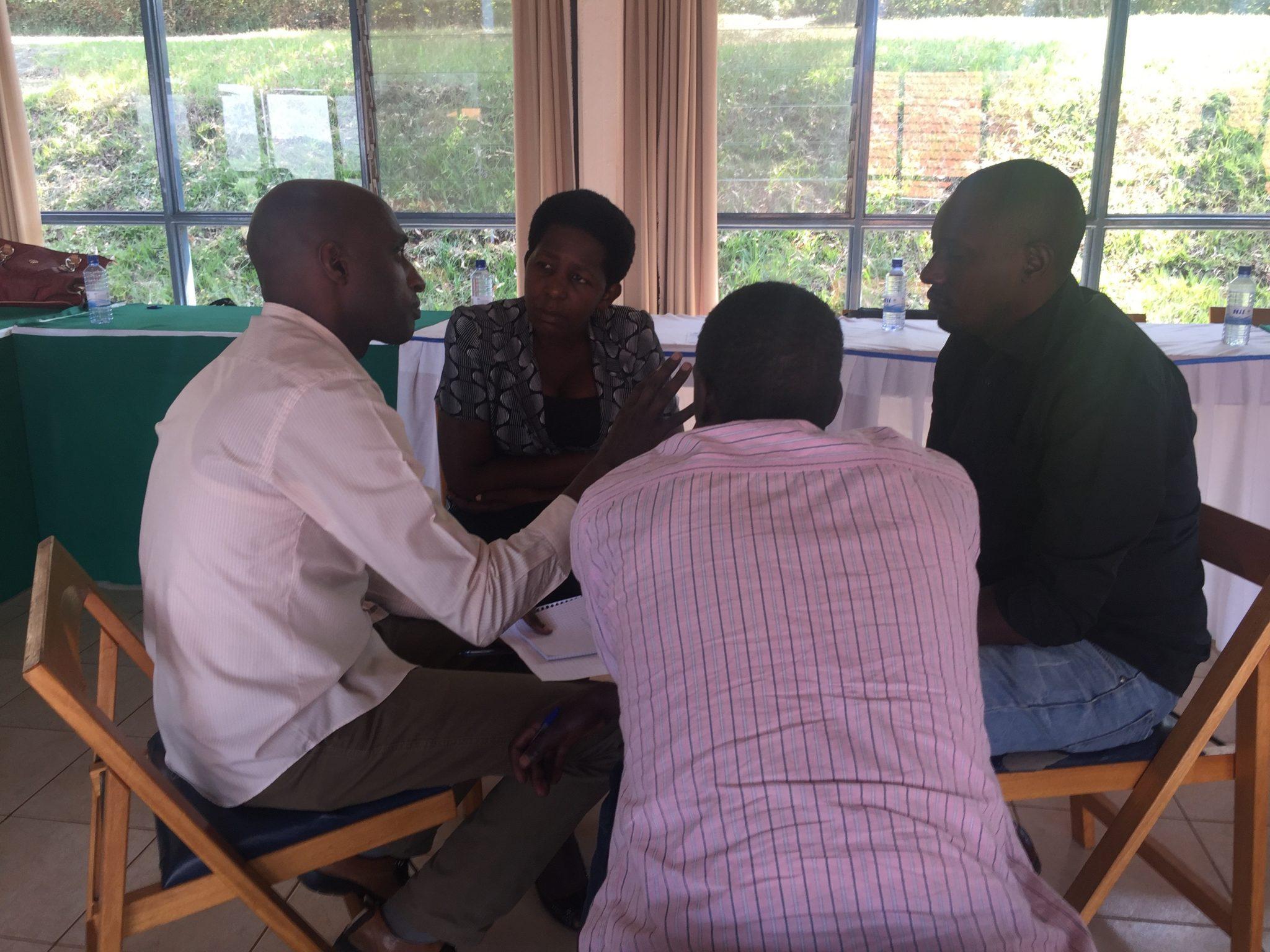 32-rwanda-forum-small-groups-img_4773